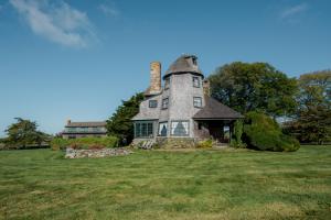 Five-bedroom shingled Mill House